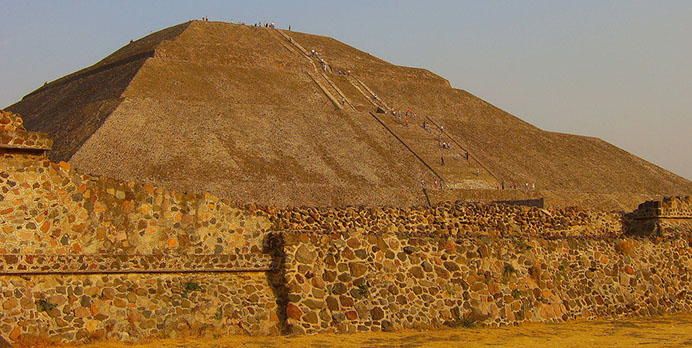 aztec-pyramid-of-the-sun